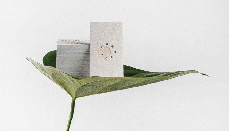 Phong cách thiết kế card visit tối giản